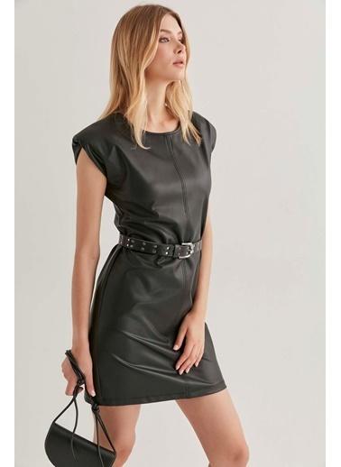Vitrin Kemerli Fit Suni Deri Elbise Siyah